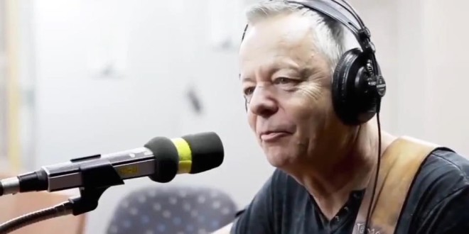 [Vol.8] Tommy Emmanuel on tbs eFM 1013 MainStreet – Part 1 [Việt sub]