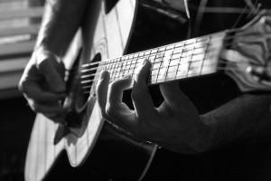 guitar-hands-300x200